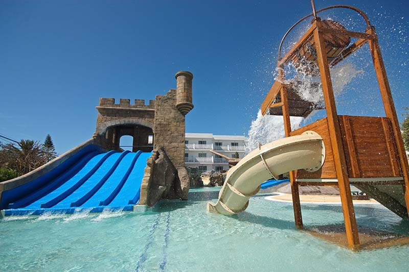 pirates-village-pool-gran-isla-hotels