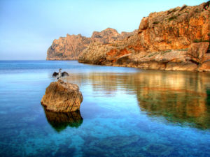 Explore Majorca's beach coves in September with Gran Isla Hotels